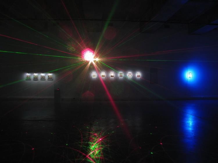 Sala expositiva, La coleccionista de luces, 2012 - Francis Naranjo