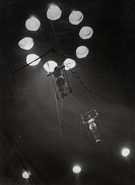 Au cirque Medrano, 1932