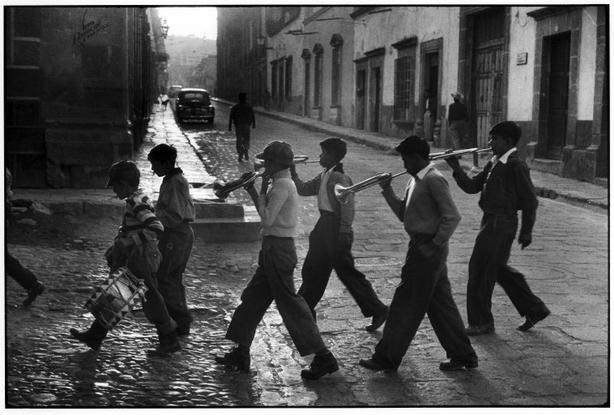 San Miguel de Allende, Mexico, 1957 - Elliott Erwitt