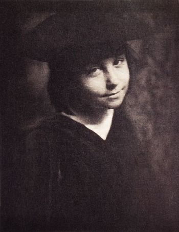 Dorothy, 1900 - Gertrude Kasebier