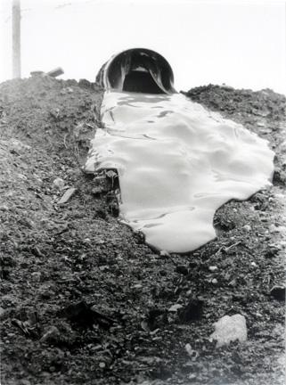 Glue Pour - Robert Smithson